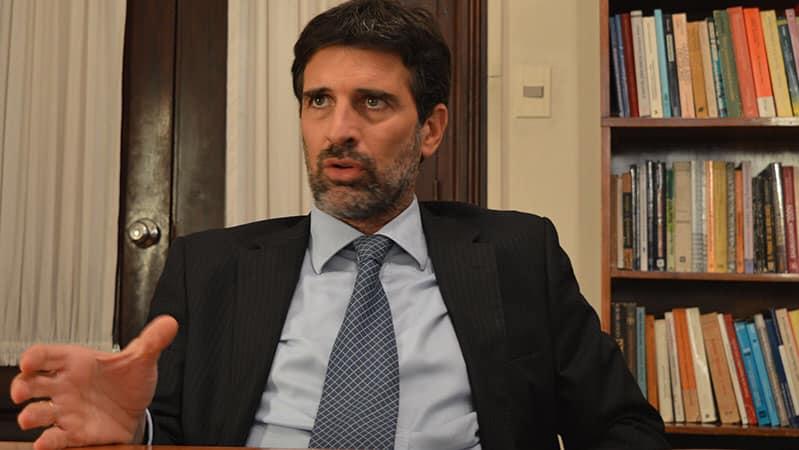 """Director de la encuestadora Equipos: """"Los uruguayos están disconformes"""""""